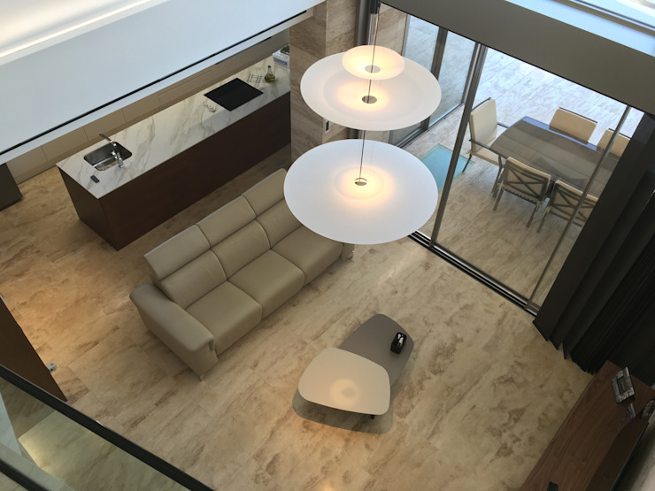 Vivienda Moderna. Doble hueco con vista cenital de DYOV STUDIO Arquitectura, Concepto Passivhaus Mediterraneo 653 77 38 06 Moderno Mármol