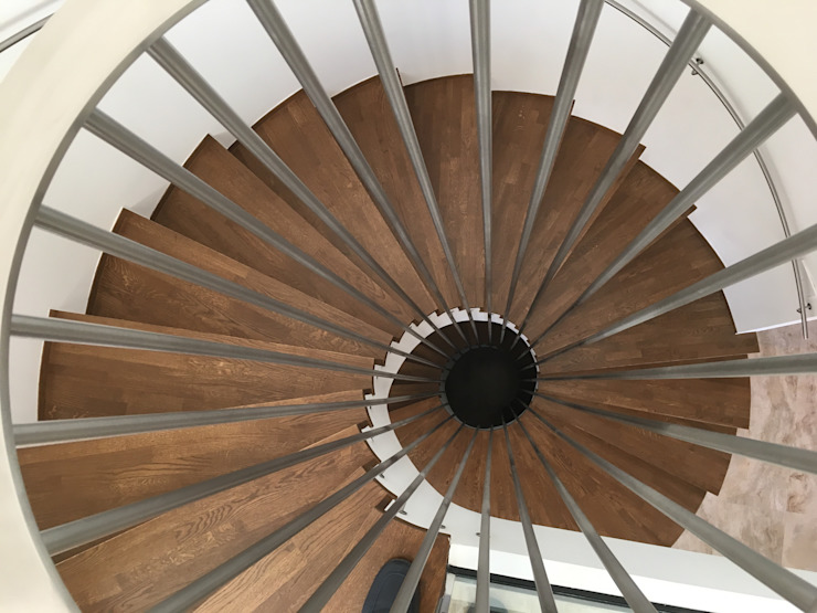 DYOV STUDIO Arquitectura, Concepto Passivhaus Mediterraneo 653 77 38 06 Corridor, hallway & stairsStairs Wood Brown