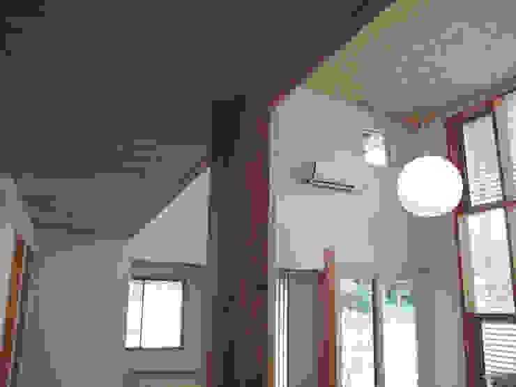 リビングの柱 株式会社高野設計工房 北欧デザインの リビング