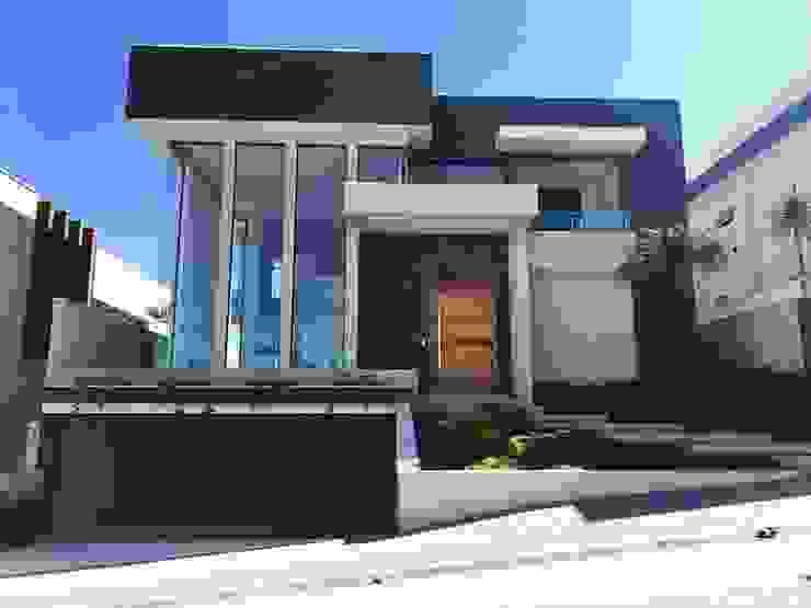 CR Construtora Дома с террасами Белый