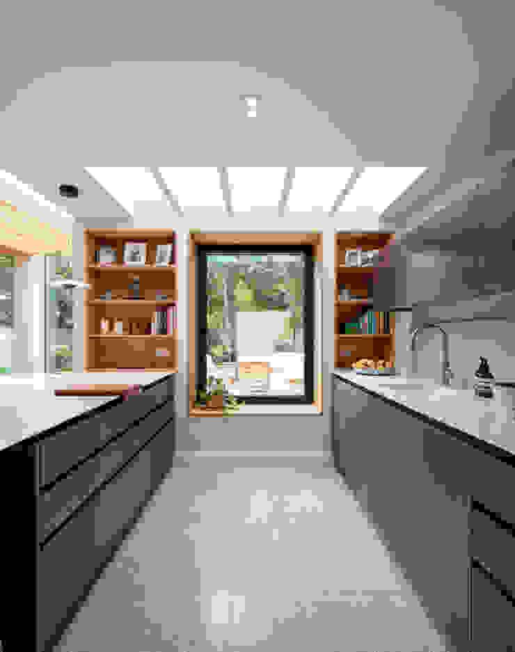 Kitchen TAS Architects Minimalist kitchen
