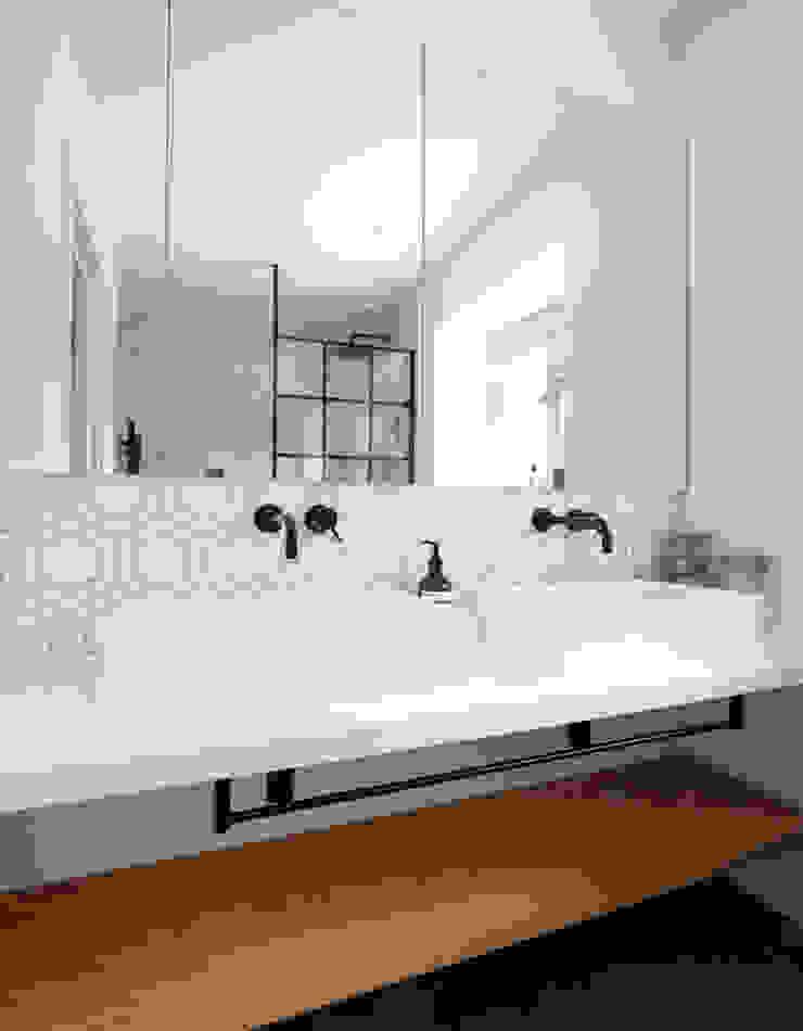 Bathroom TAS Architects Minimalist bathroom