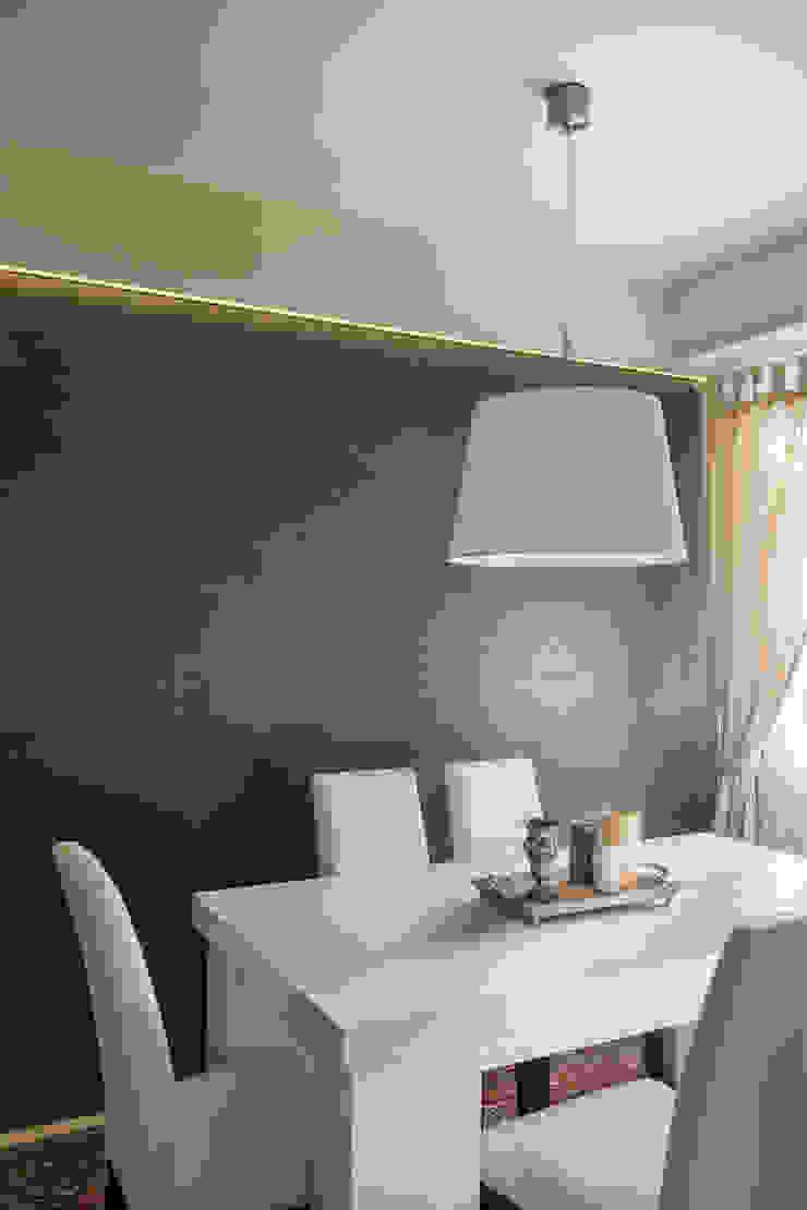 Appartamento privato a Bergamo Sala da pranzo moderna di Resin srl Moderno