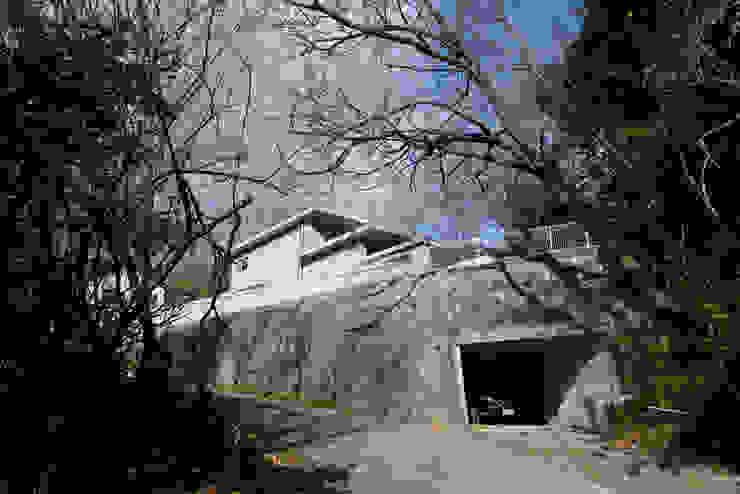 by 風景のある家.LLC Modern Concrete