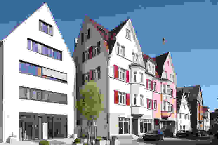 Architekturbüro zwo P Multi-Family house Beige