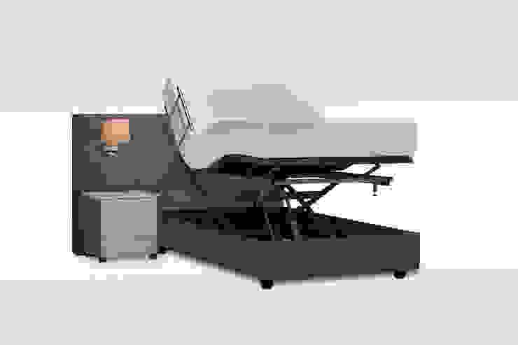 Hoog laag bed 120 cm breed: modern  door De Suite, Modern