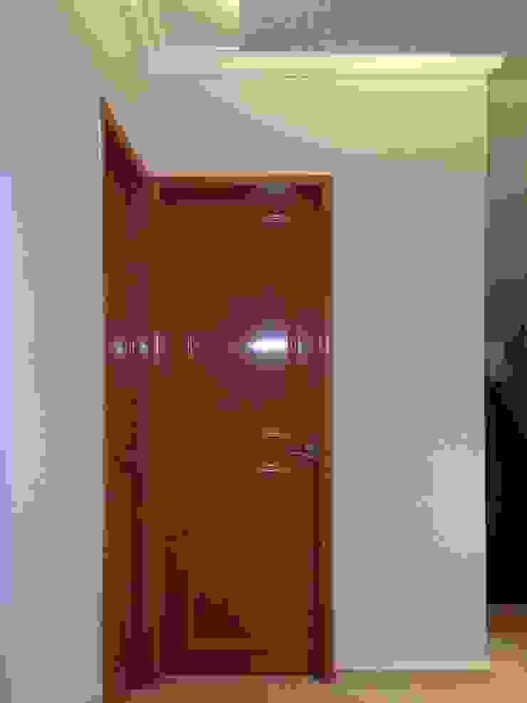 VESTIBULO Pasillos, vestíbulos y escaleras modernos de Alejandra Zavala P. Moderno Madera Acabado en madera