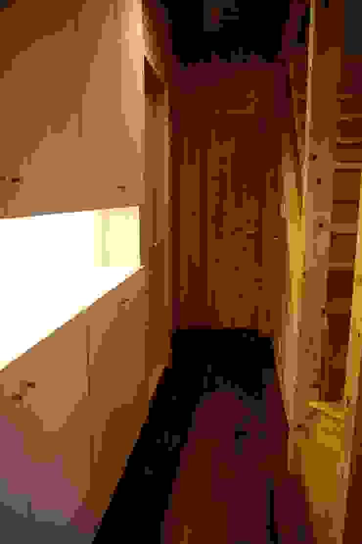 玄関 収納 株式会社高野設計工房 北欧スタイルの 玄関&廊下&階段
