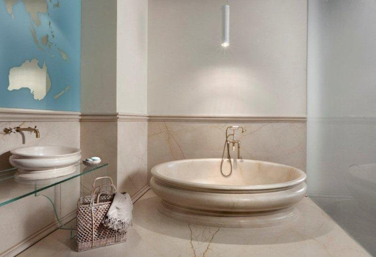 Modern Bathroom by CusenzaMarmi Modern