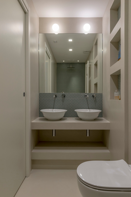 Archifacturing Baños de estilo minimalista Verde
