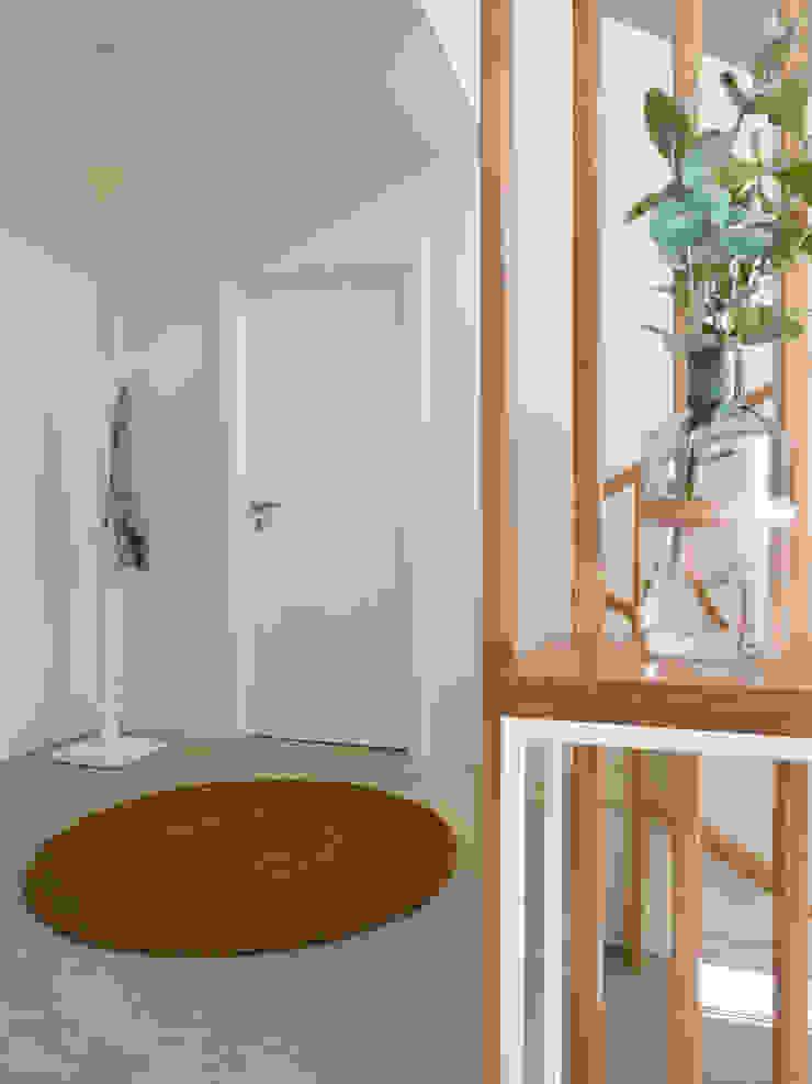 Hall Corredores, halls e escadas modernos por MUDA Home Design Moderno