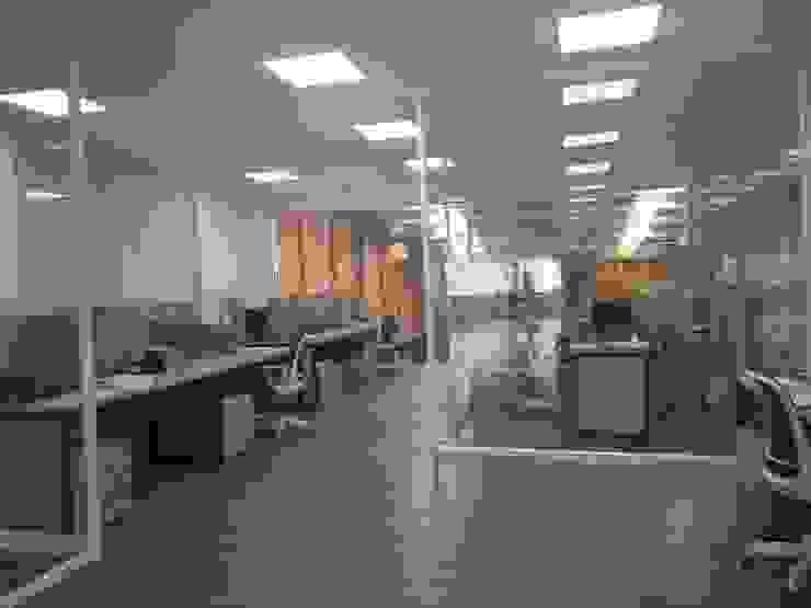 Fabricación de muebles de oficina de .K-Design arquitectura y diseño interior Moderno