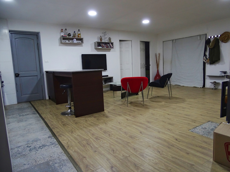 Minimalist dining room by Montgreen Ecomodular Minimalist