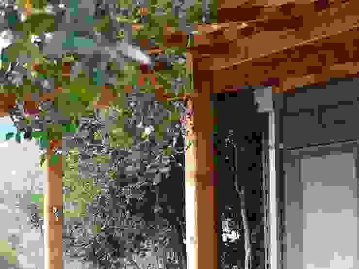 Montgreen Ecomodular Minimalist balcony, veranda & terrace