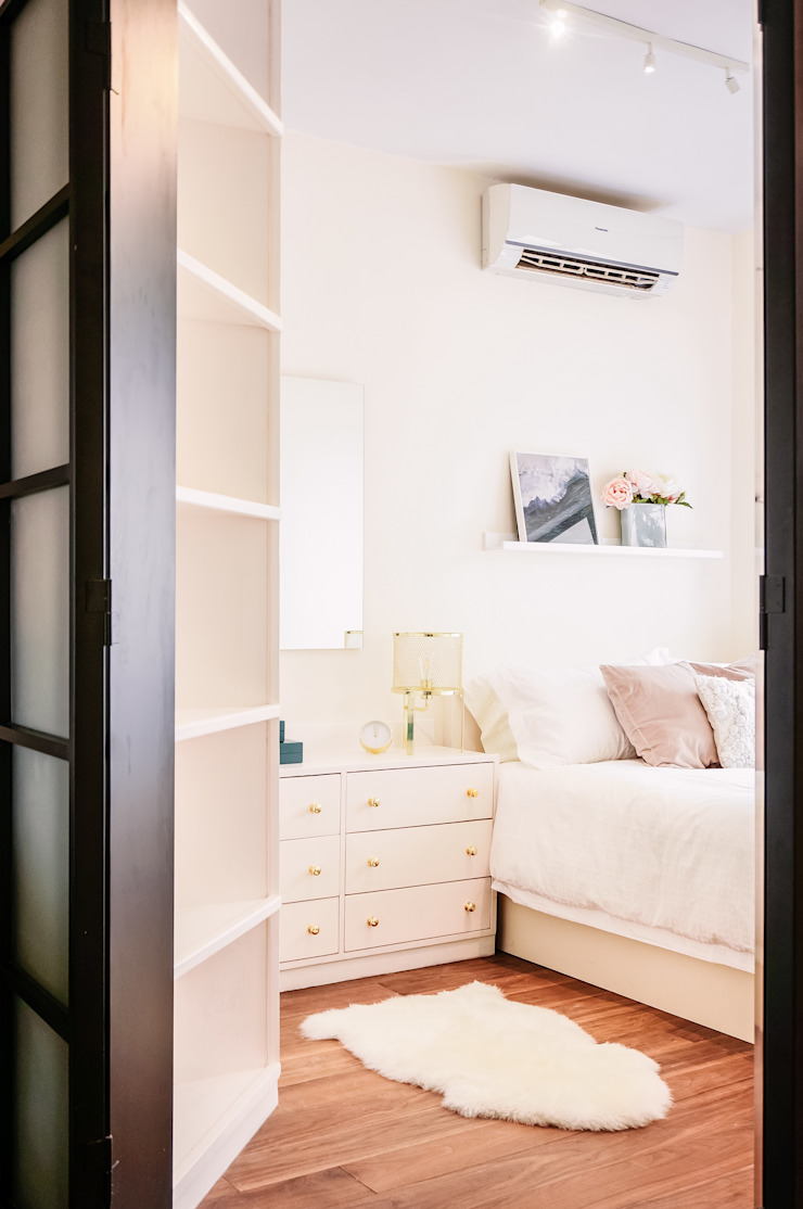 Bright & Modern Bedroom by S.Lo Studio Modern