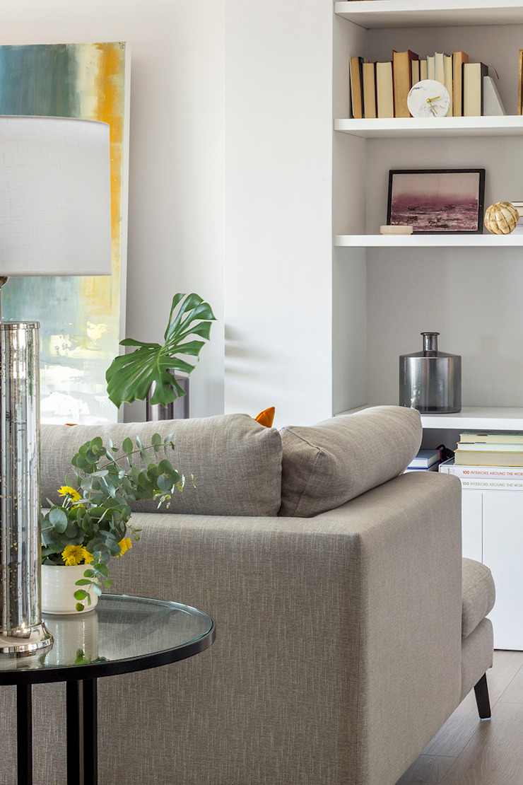 Reforma y Amueblamiento en vivienda piso en zona La Paz II Salones de estilo moderno de itta estudio Moderno
