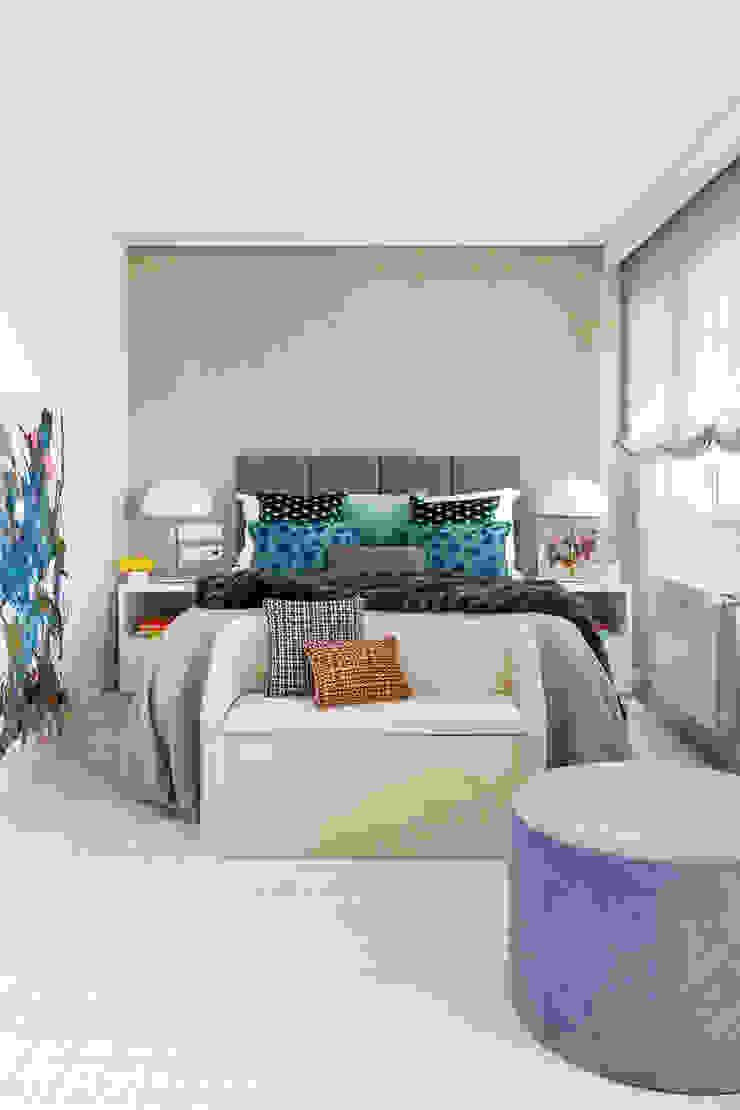 Reforma y Amueblamiento en vivienda piso en zona La Paz II Dormitorios de estilo moderno de itta estudio Moderno