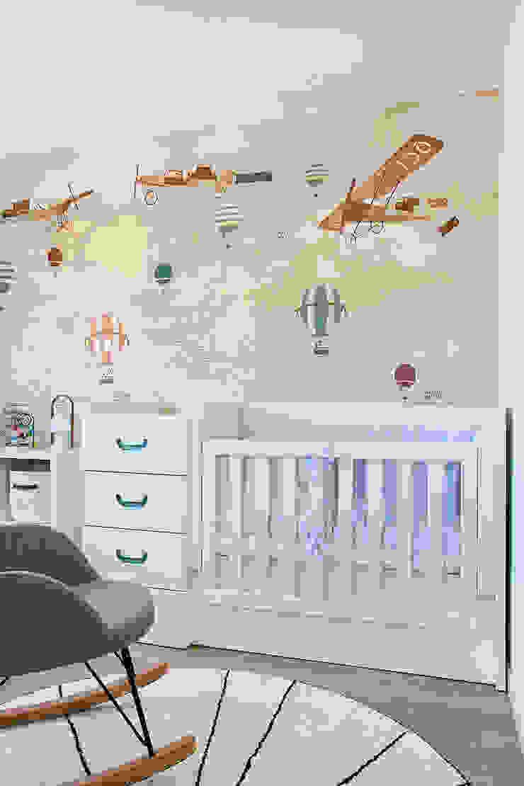 Reforma y Amueblamiento en vivienda piso en zona La Paz II Dormitorios infantiles de estilo moderno de itta estudio Moderno