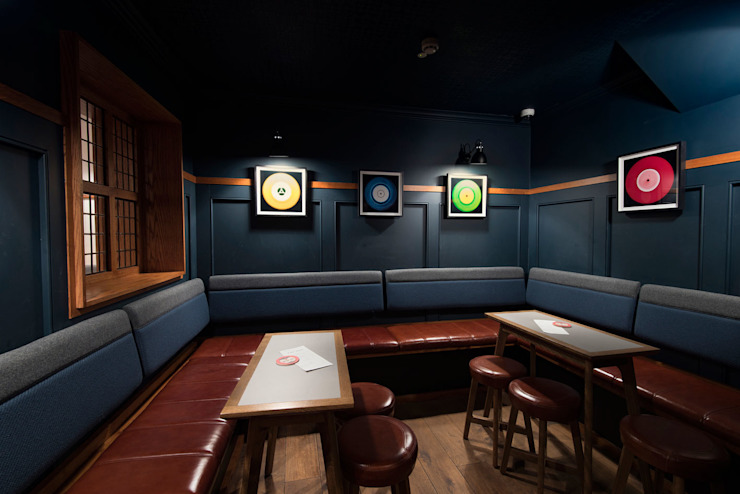 Pint Shop, Cambridge, UK White Space Studio Klassieke gastronomie Hout Blauw