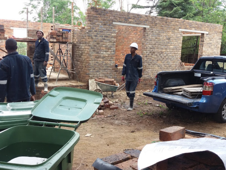 Gaborone house- site progress: modern  by Wentworth Construction, Modern