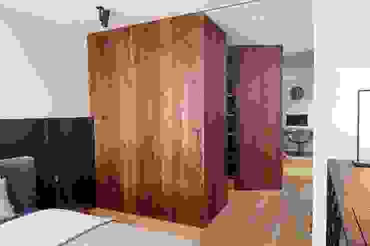 Dormitorios de estilo moderno de De Suite Moderno