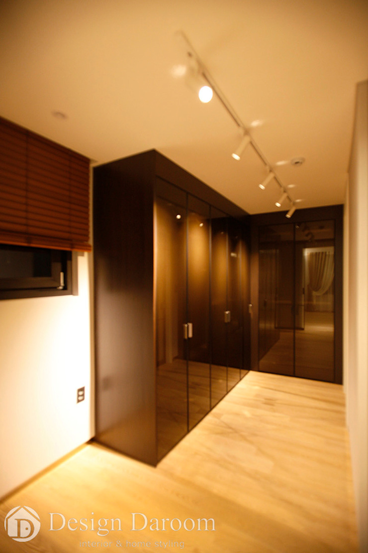 Modern dressing room by Design Daroom 디자인다룸 Modern
