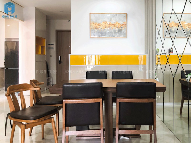 Bộ bàn ghế gỗ bọc đệm màu đen Phòng ăn phong cách hiện đại bởi Công ty TNHH Nội Thất Mạnh Hệ Hiện đại Gỗ Wood effect