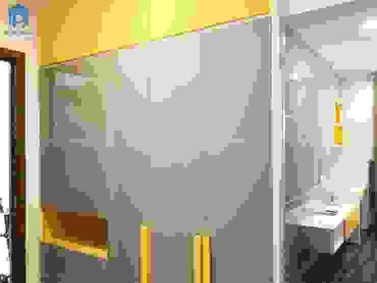 Tủ quần áo hiện đại bởi Công ty TNHH Nội Thất Mạnh Hệ Hiện đại Gỗ Wood effect
