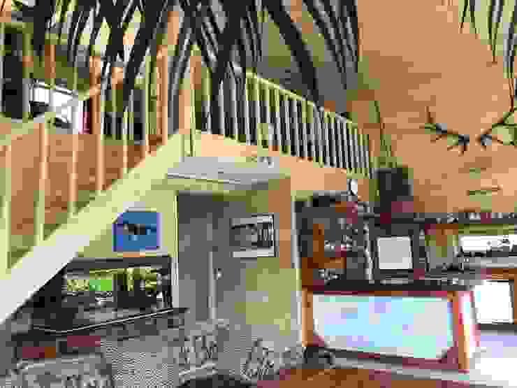 THULE Blockhaus GmbH - Ihr Fertigbausatz für ein Holzhaus Stairs Wood Brown
