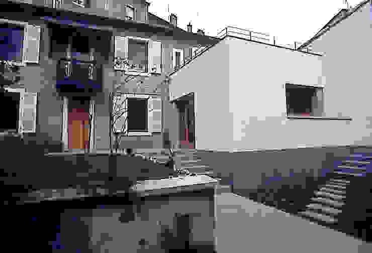 EXTENSION MAISON L Balcon, Veranda & Terrasse modernes par Atelier Presle Moderne