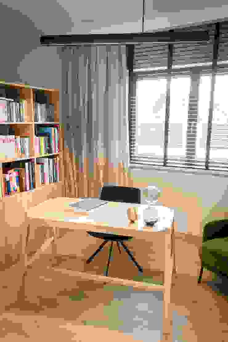 Scandinavian style study/office by Bargański Pracownia Wnętrz Scandinavian