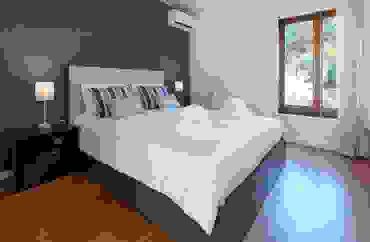 Filipa Cunha Interiores BedroomBeds & headboards Blue