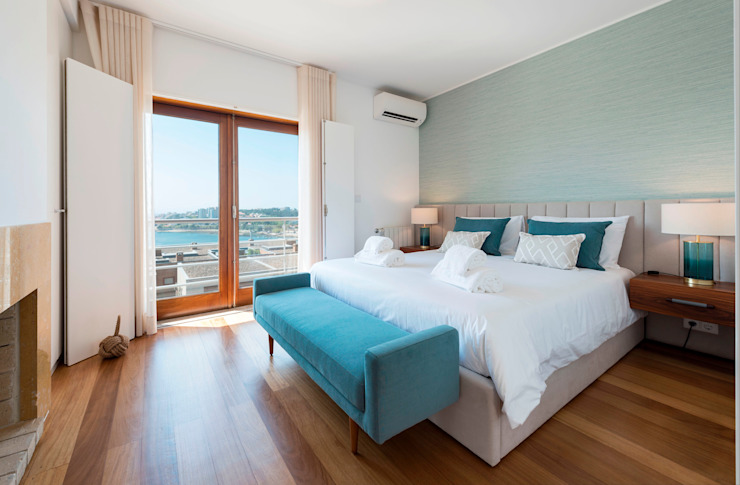 Filipa Cunha Interiores BedroomBeds & headboards Turquoise
