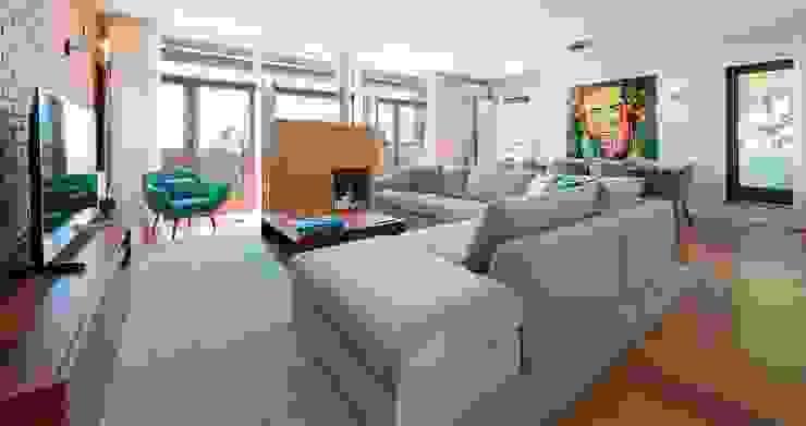 Filipa Cunha Interiores Living roomSofas & armchairs Beige