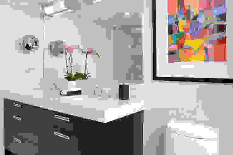 Baños de estilo moderno de Collage Designs Moderno
