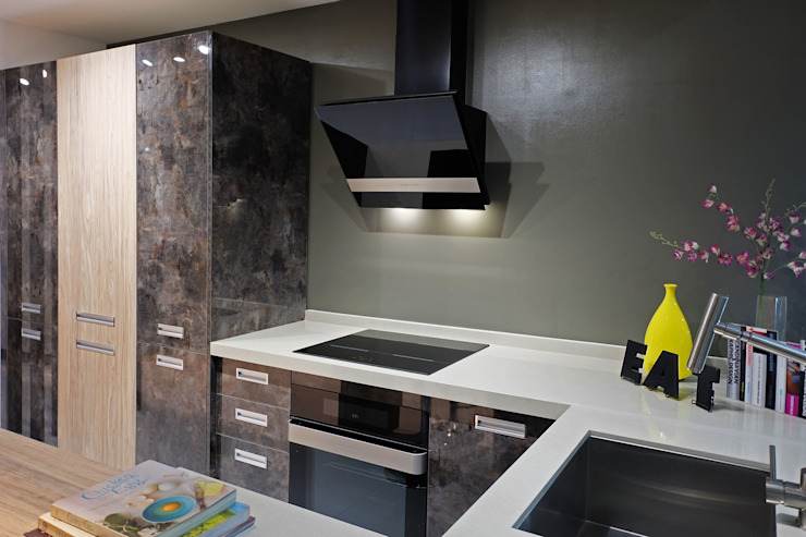 Industrial Inspired Kitchen: industrial  by Ideal Home, Industrial Quartz