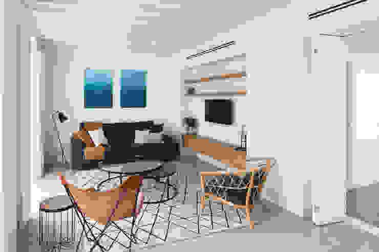 Interior de apartamento I Livings de estilo mediterráneo de AGM Arquitecto Antonio Gómez Mora Mediterráneo