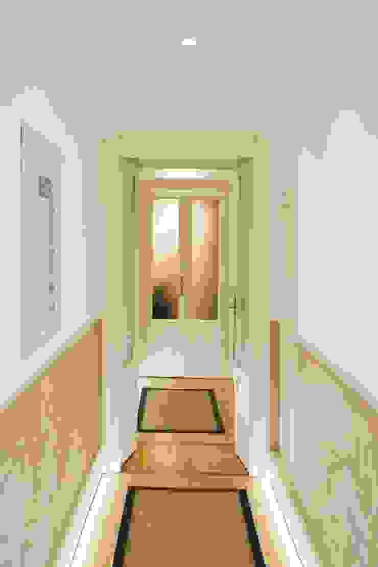Corridoio di viemme61 Moderno