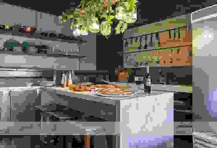 Cozinha Funcional - Entrada Bares e clubes industriais por Fark Arquitetura e Design Industrial MDF