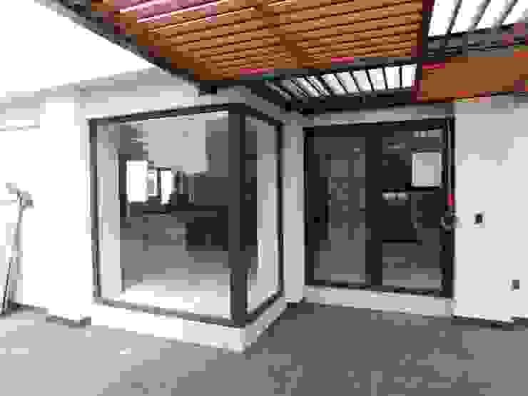 dBLuM°C Project Management Modern windows & doors Black