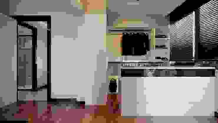 Çalık Konsept Mimarlık – Giyinme Odası: modern tarz , Modern