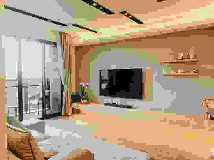 舒服俐落的電視牆 根據 圓方空間設計 簡約風 合板