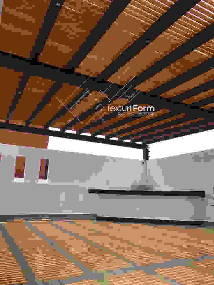 TexturiForm Balkon, Beranda & Teras Modern