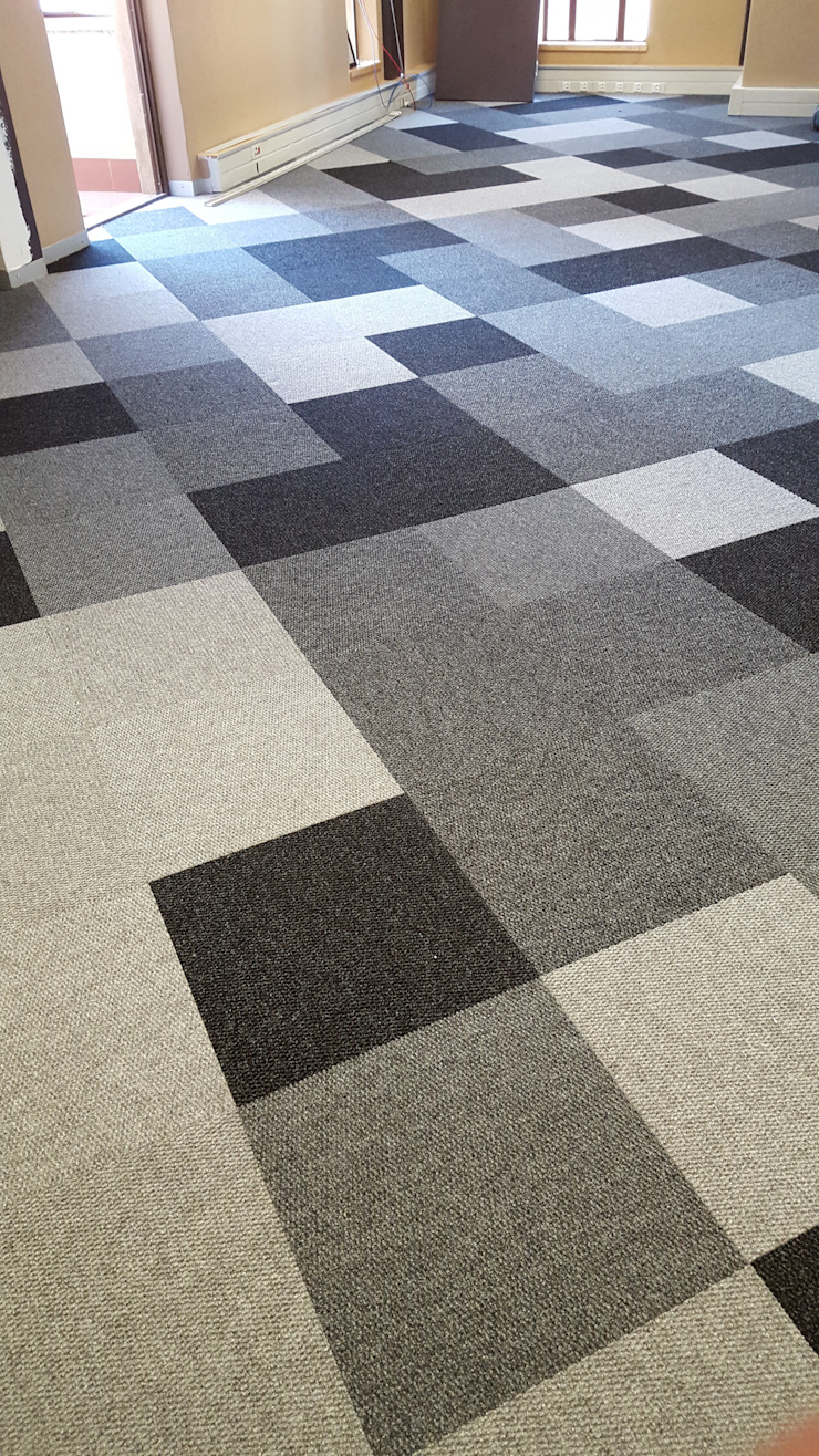 Carpet Tiles laid in an effective pattern by Flooring Projects Modern