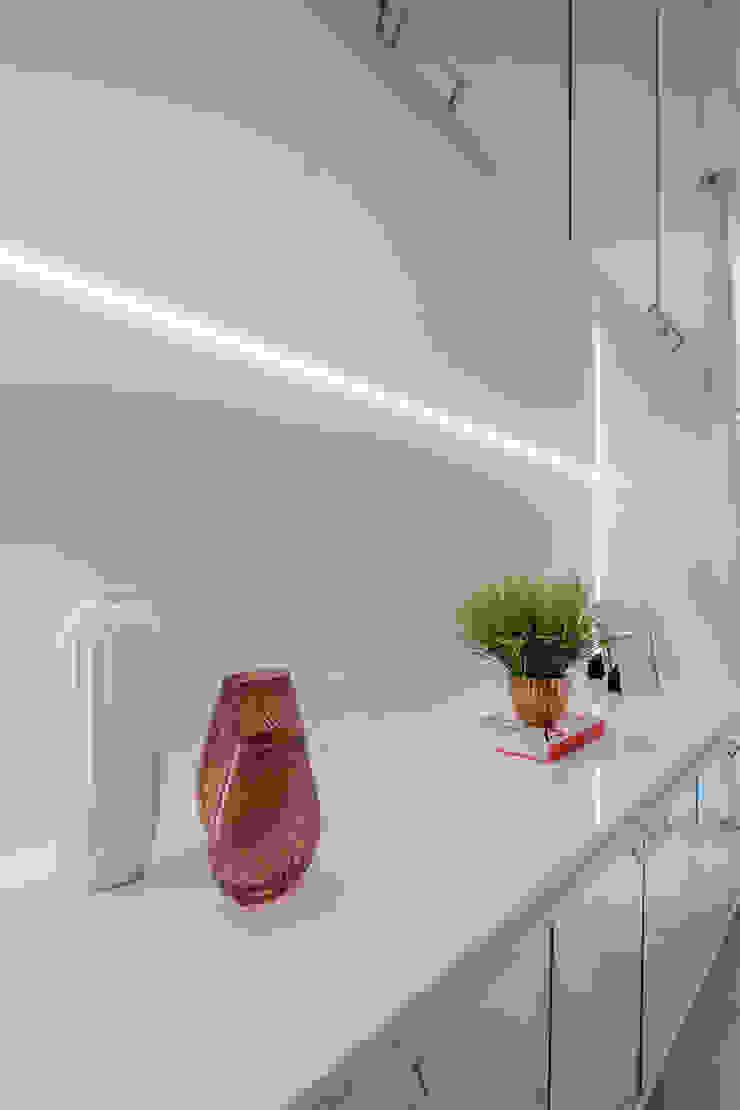 ISADORA MARTEL interiores Couloir, entrée, escaliersAccessoires & décorations Blanc