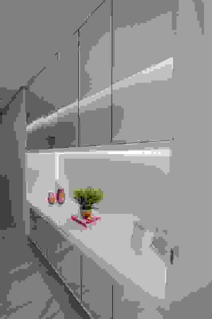 ISADORA MARTEL interiores Couloir, entrée, escaliersEclairage Blanc