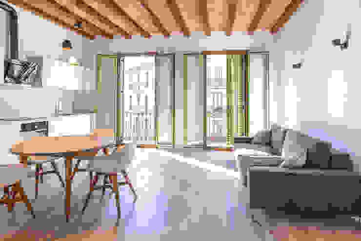 Interiores Zisko Foto Comedores de estilo mediterráneo