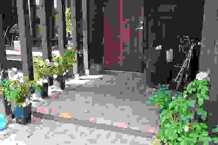 レンガ敷きの玄関ポーチ 家と草木のアトリエ hausgras 木造住宅 レンガ ベージュ