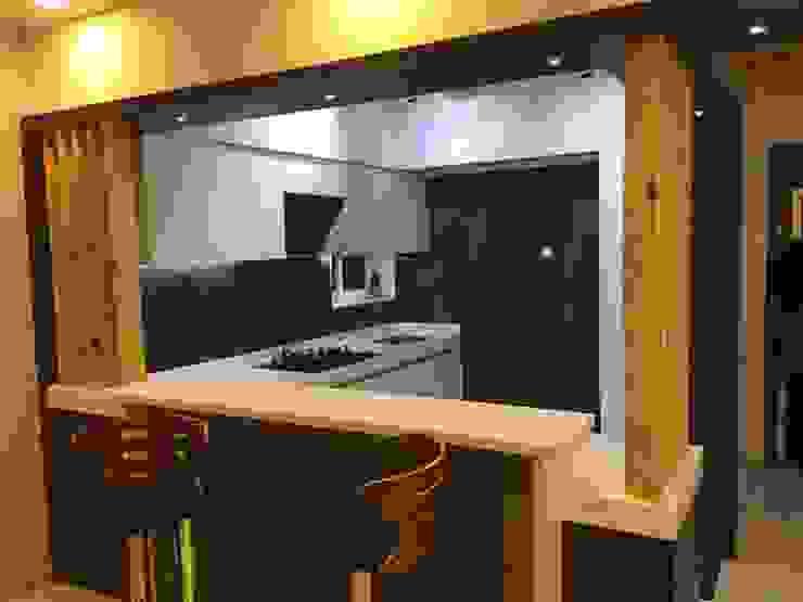 โดย VR Interior Designerss เอเชียน กระจกและแก้ว