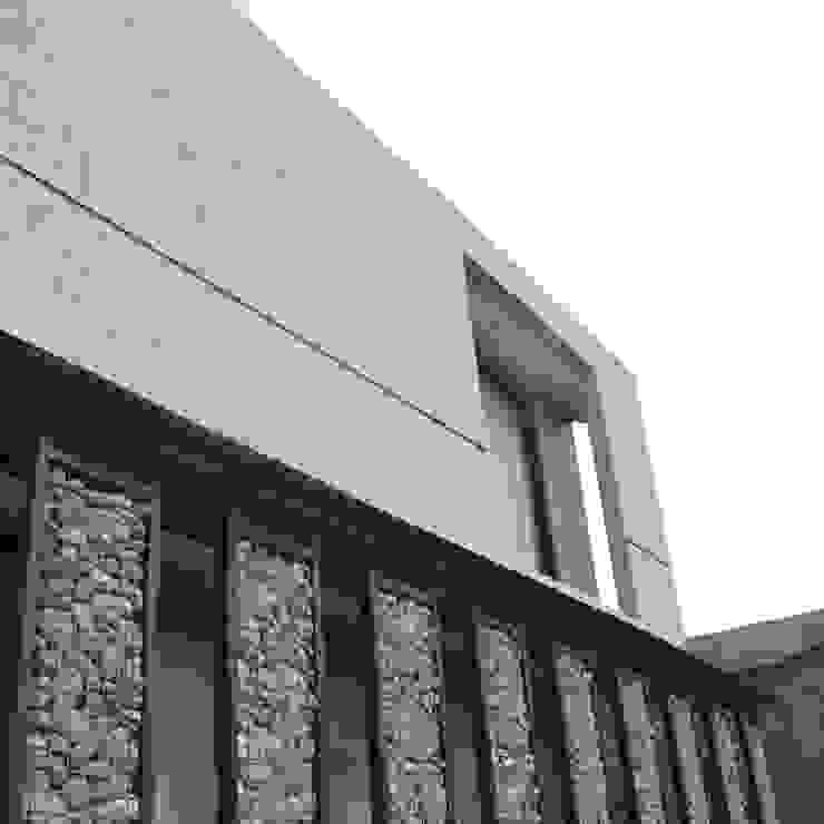 Rumah Cihanjuang Koridor & Tangga Minimalis Oleh Regi Kusnadi Minimalis